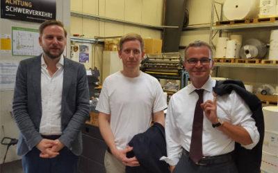 Brandenburgs Wirtschaftsminister Albrecht Gerber besichtigt Produktionsbetrieb in Müncheberg