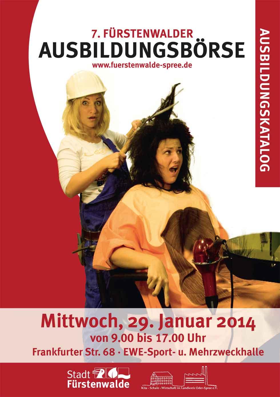 Bauarbeiter schneidet Haare als Cover für Flyer für die Fürstenwalder Ausbildungsbörse